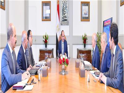 الرئيس السيسي يوجه بدفع معدلات تنفيذ المشروعات المشتركة بين النقل والإنتاج الحربي