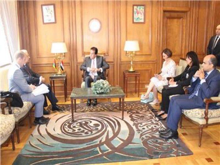 وزيرالتعليم العالي يبحث مع سفير بيلاروسيا تعزيز التعاون المشترك