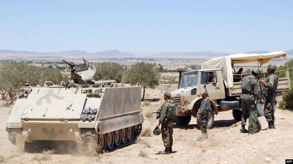 الجيش التونسي يضاعف الدوريات والطلعات الجوية لفرض حظر التجول