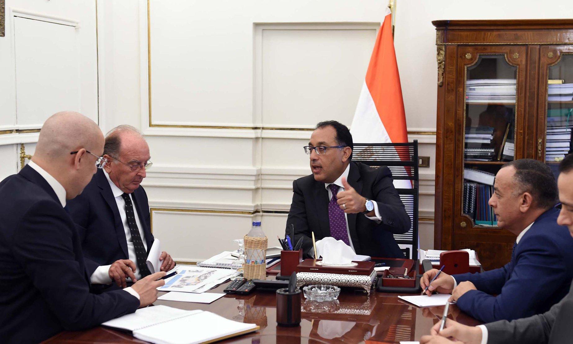 صور | رئيس الوزراء يُكلف بتطوير ميدان التحرير ضمن جهود تطوير القاهرة التاريخية