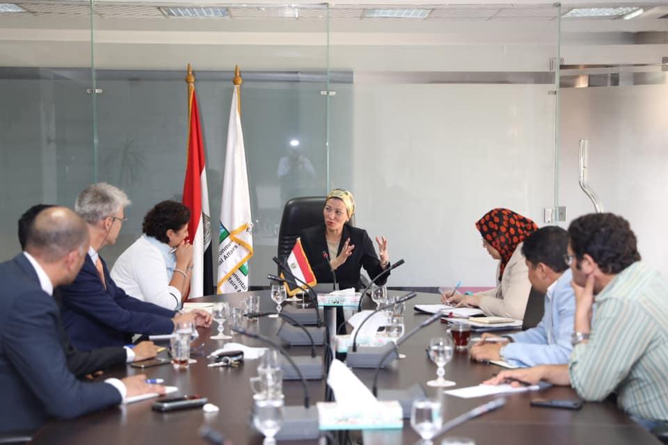 صور | وزيرة البيئة تناقش مع مدير إيفاد الحد من تأثير التغيرات المناخية على الزراعة