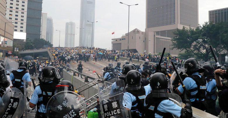 مظاهرة في هونج كونج احتفالا بمرور ستة أشهر على بدء الاحتجاجات
