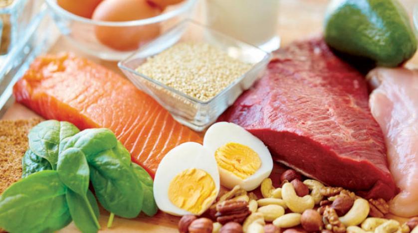 الوجبات الخفيفة عالية البروتين قبل النوم لا تضر بالنساء