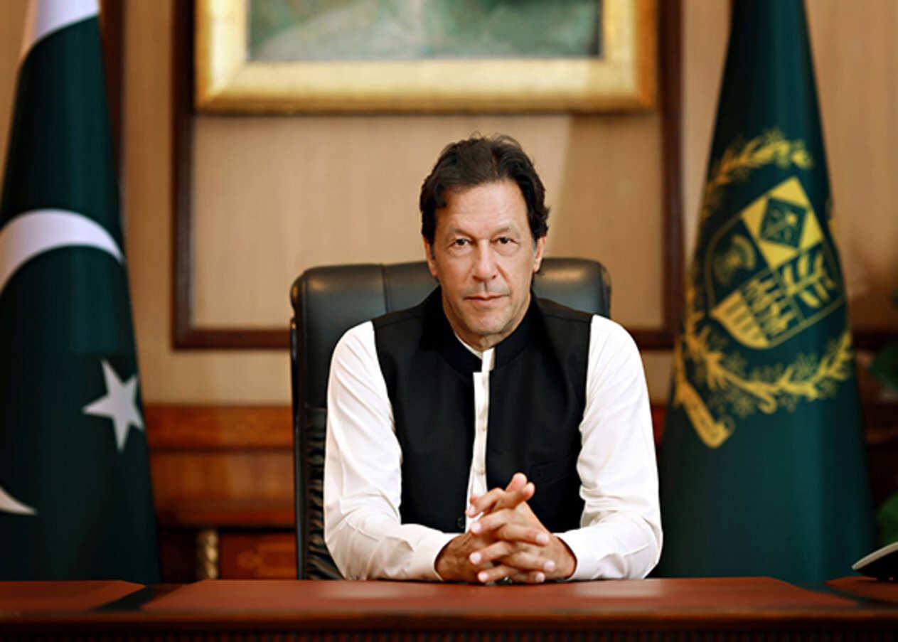 رئيس الوزراء الباكستاني يناشد شعبه التصرف بمسؤولية فى أزمة كورونا