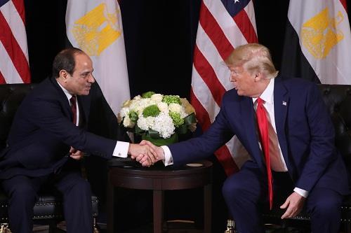 صور| اجتماع الرئيس السيسي وترامب على هامش الدورة الـ74 في نيويورك