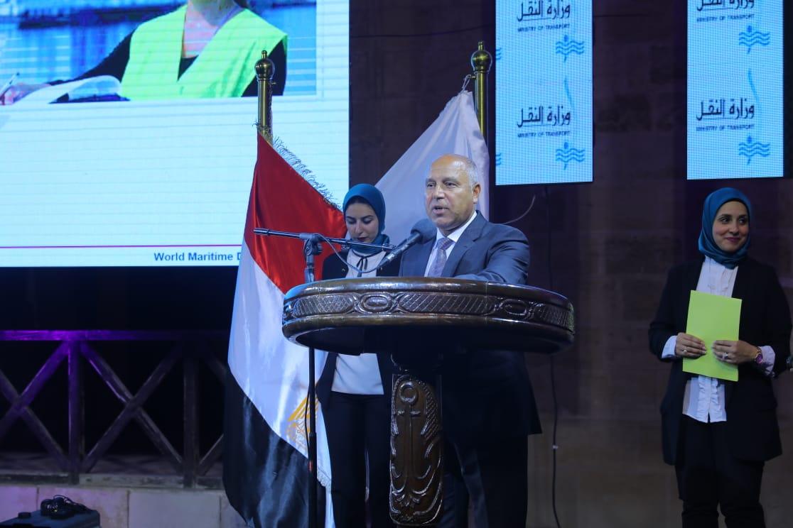 صور| وزير النقل: مصر ركزت جهودها على تفعيل دور المرأة تماشيا مع أهداف الأمم المتحدة