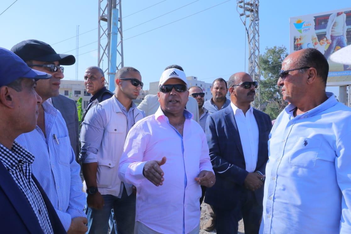 صور| وزير النقل يتابع أعمال إنشاء كوبري دكرنس العلوي بطول 1250 م
