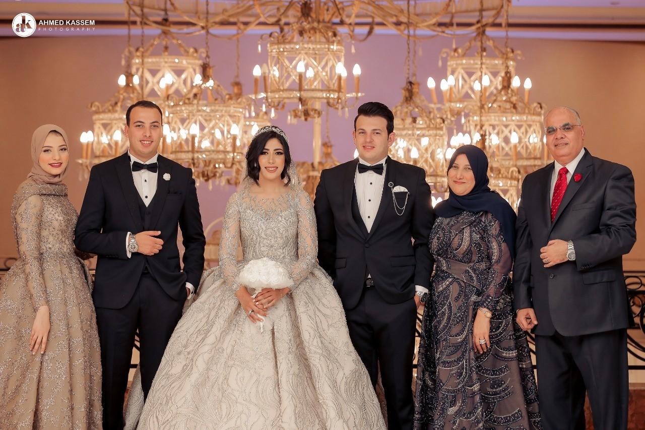 صور| كبار رجال وزارة الداخلية ورجال السياسة والفن يشاركون حفل زفاف ابنة اللواء وجدى الجروانى