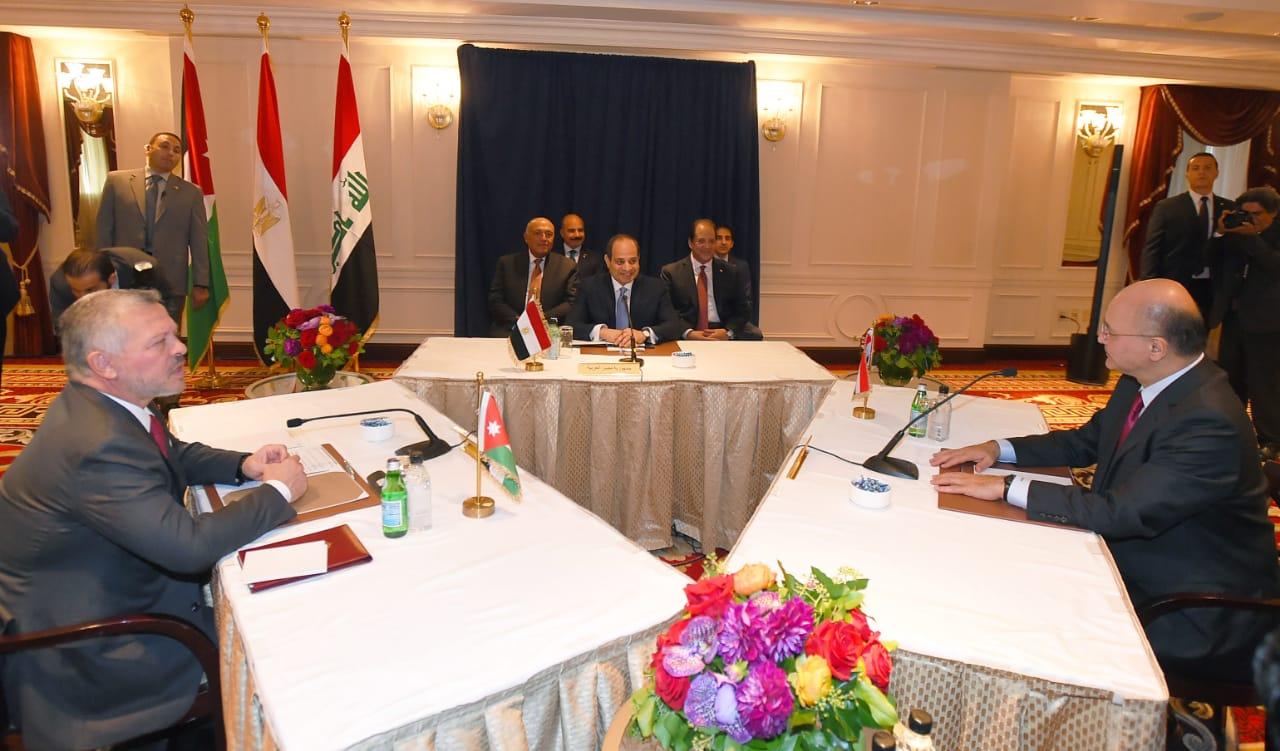 عاجل  صور  قمة ثلاثية تجمع الرئيس السيسي و العاهل الاردني و الرئيس العراقي