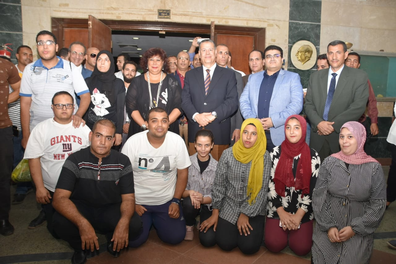 صور| وزير الثقافة ومحافظ بني سويف يتفقدان قصر الثقافة بالمدينة