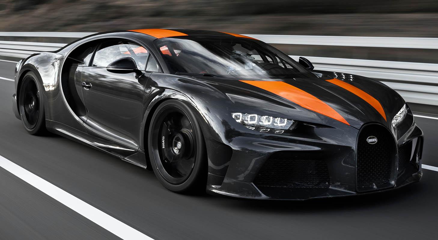أسرع سيارة في العالم تتخطى حاجز 300 ميل بالساعة