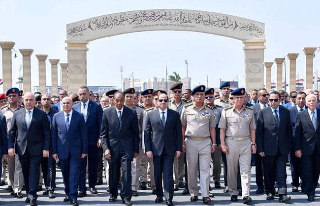 صور | الرئيس السيسي يتقدم الجنازة العسكرية للفريق إبراهيم العرابي