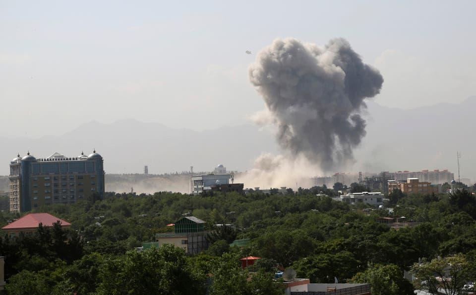 مقتل 12 شخصا وإصابة 14 آخرين جراء غارة جوية فى أفغانستان