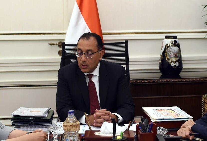 رئيس الوزراء يعقد اجتماعاً مع رئيس مجلس إدارة صندوق مصر السيادى