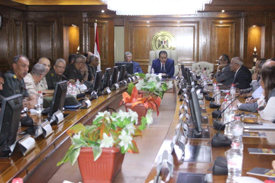 صور | وزير التعليم العالي يترأس اجتماع اللجنة العليا للمشروعات القومية