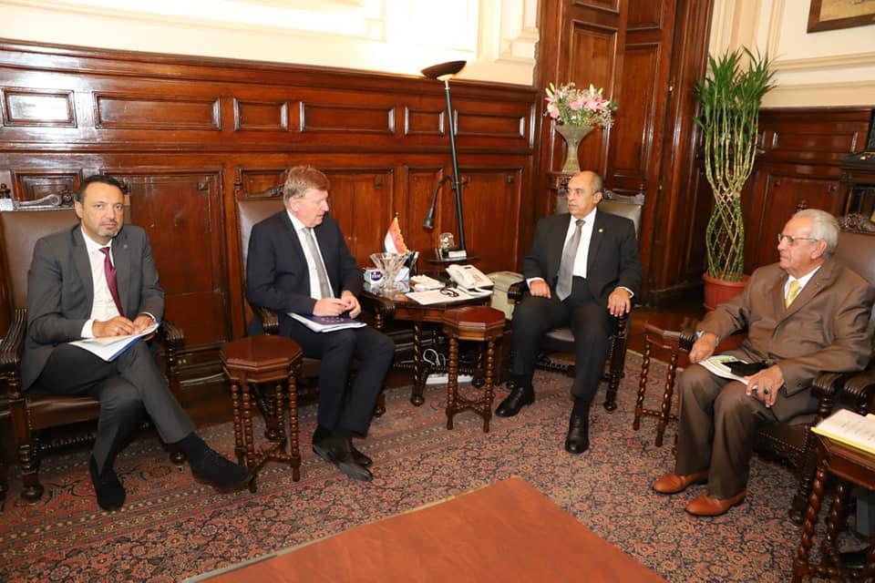 وزير الزراعة يبحث مع سفير الاتحاد الأوروبي المشروعات المشتركة
