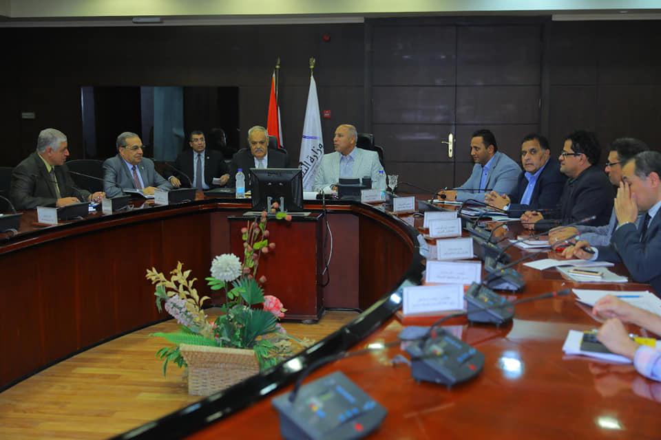 صور   وزير النقل يبحث مع الهيئة العربية للتصنيع التعاون في مجال السكك الحديدية