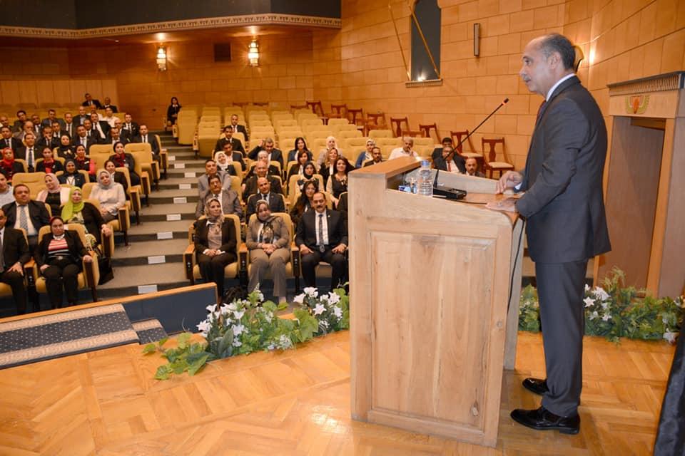 الفريق يونس المصري يلتقي بمسئولي العلاقات العامة والإعلام بقطاع الطيران المدني