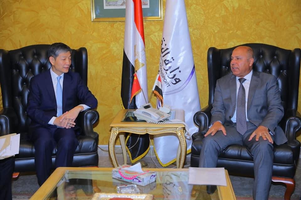 صور | وزير النقل يستقبل سفير الصين بالقاهرة  لبحث سبل التعاون المشترك