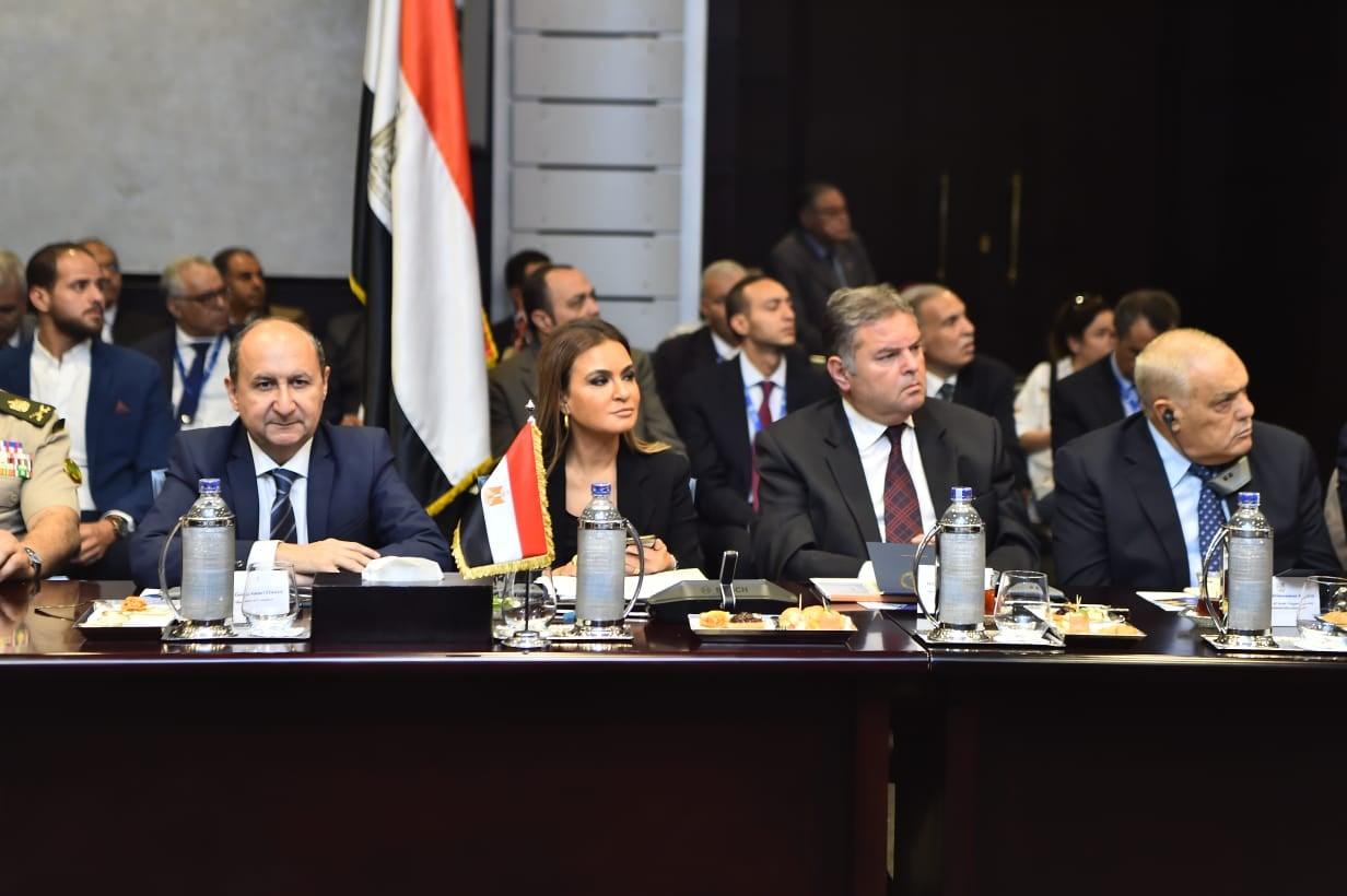وزراء الصناعة والإستثمار وقطاع الاعمال العام والنقل يفتتحون منتدى الأعمال المصرى المجرى