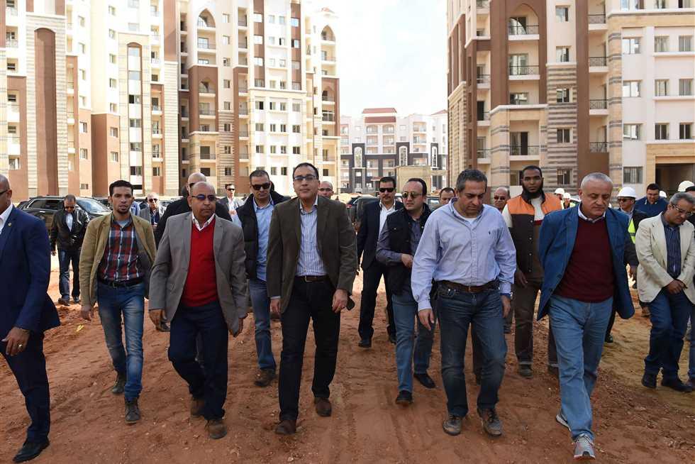 رئيس الوزراء يتفقد عينات تأثيث الحي الحكومي بالعاصمة الإدارية الجديدة