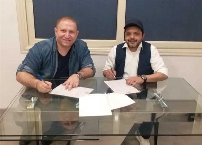 أحمد عبدالباسط يتعاقد مع محمد هنيدي على فيلم «أب للإيجار» والعرض 2020