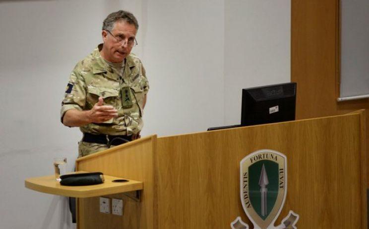 بريطانيا : الجيش بحاجة لتطوير خيارات عسكرية «غير فتاكة» لتعجيز أعدائنا