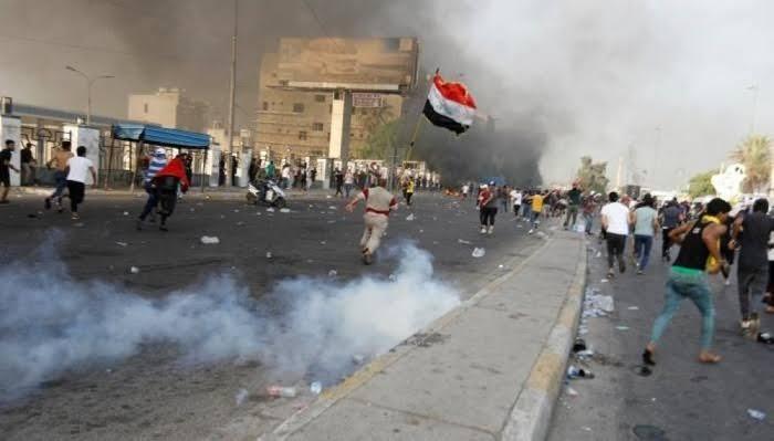 حقوق الإنسان بالعراق تأسف لاستخدام المتظاهرين القوة ضد الأمن بالوثبة