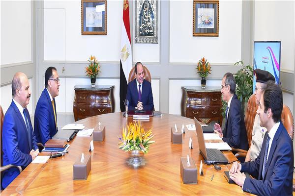 الرئيس السيسي يوجه بتوفير أحدث الخدمات الرقمية للمواطنين في إطار المنظومة الرقمية الجديدة