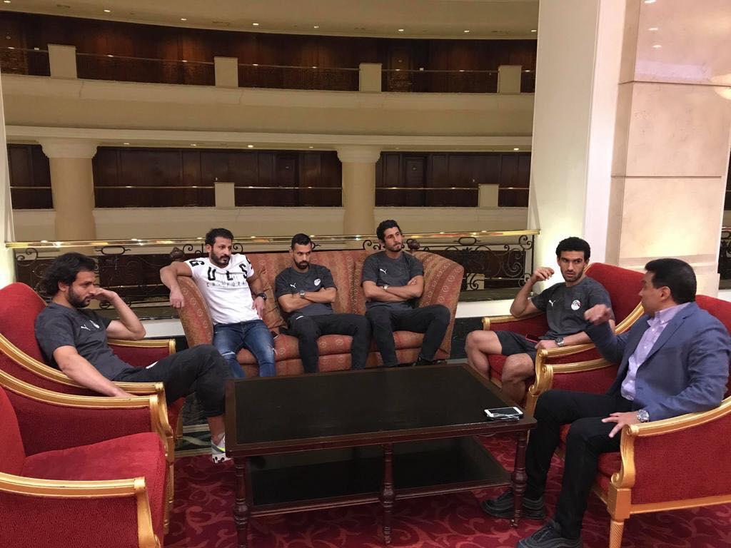 جلسة مع لاعبي المنتخب2