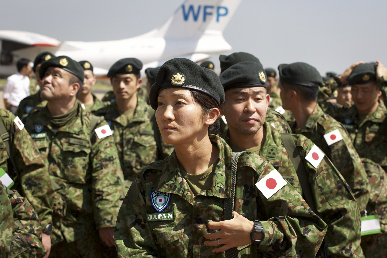 صحيفة يابانية: الدستور يمنع إرسال قوات الدفاع الذاتي إلى الشرق الأوسط