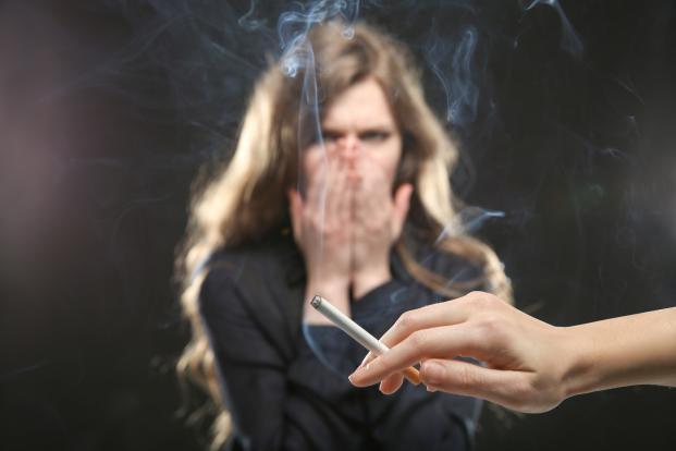 دراسة : معدلات التدخين الكثيفة تجعل المدخن أكبر سنًا