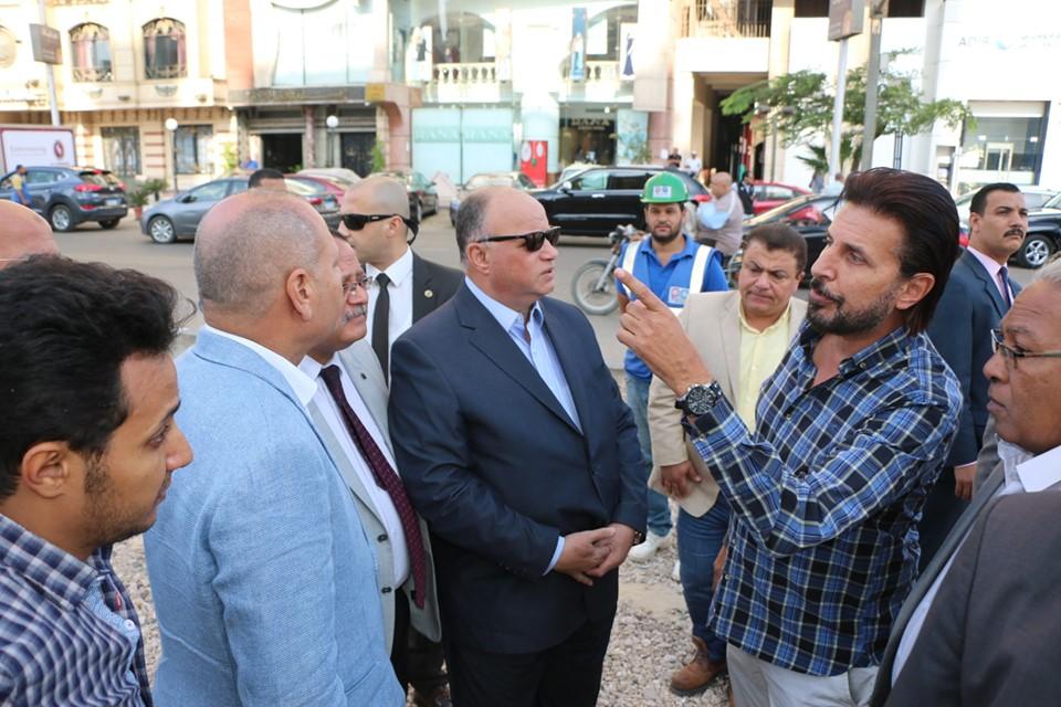 صور | محافظ القاهرة يوجه بسرعة الانتهاء من أعمال تطوير شارع الحجاز بمصر الجديدة