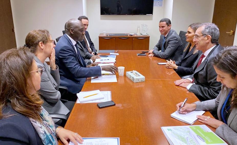 وزيرا الاستثمار والاتصالات يبحثان مع البنك الدولي مشروعات البنية الأساسية بأفريقيا