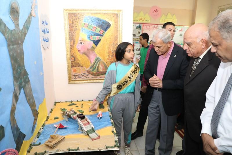 صور  محافظ المنوفية يشهد فعاليات احتفال المدارس الأمريكية بنصر أكتوبر