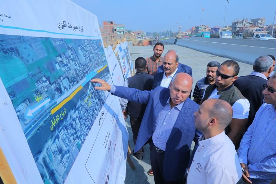 صور   وزير النقل يتفقد أعمال إنشاء 5 كباري بطريق بنها- المنصورة