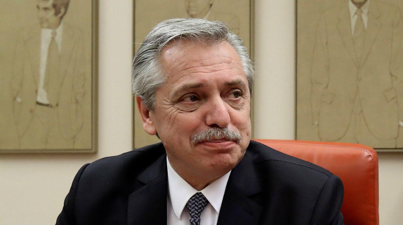 تحديات صعبة تواجه فرنانديز خلال رئاسته الجديدة للأرجنتين