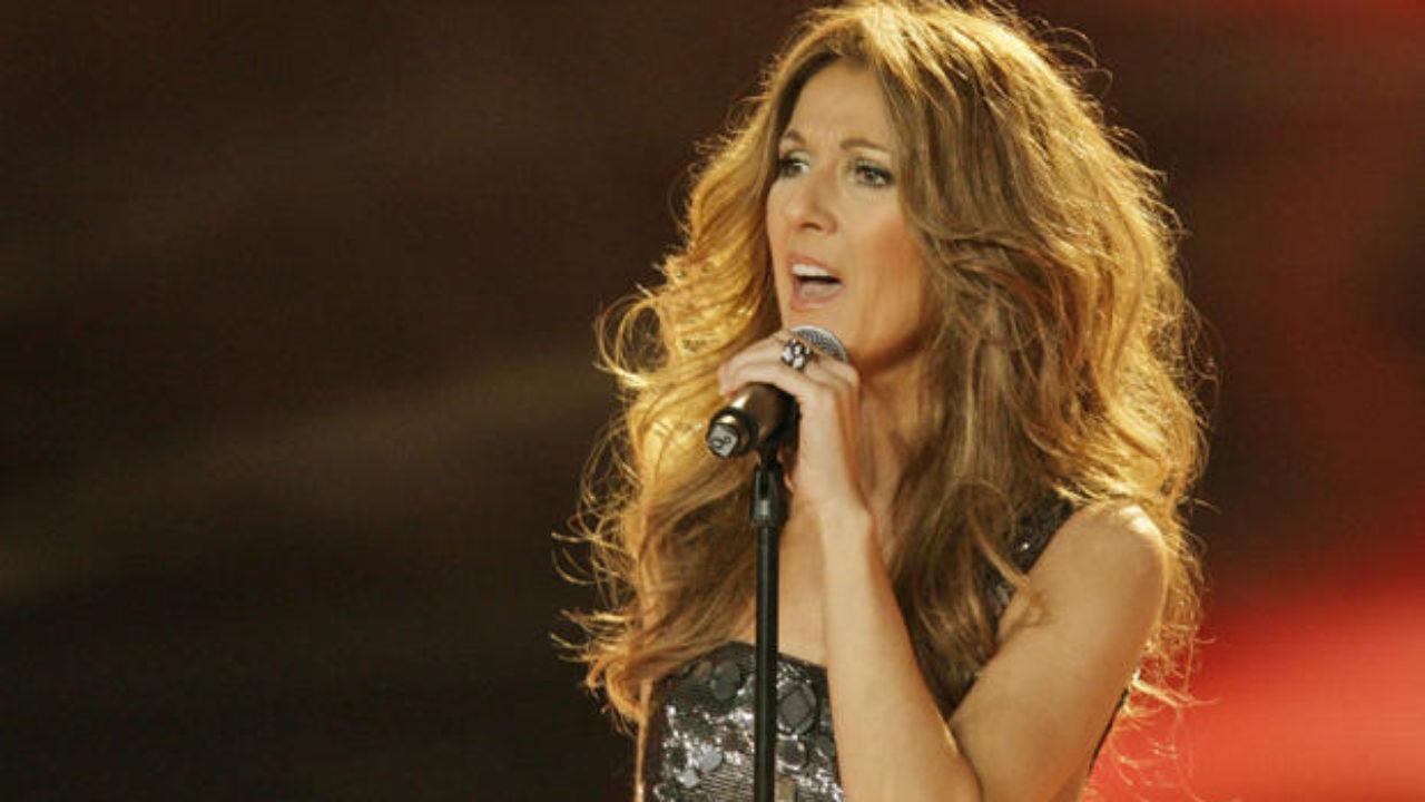 سيلين ديون تغني في رومانيا ضمن جولتها العالمية لـ 100 مدينة