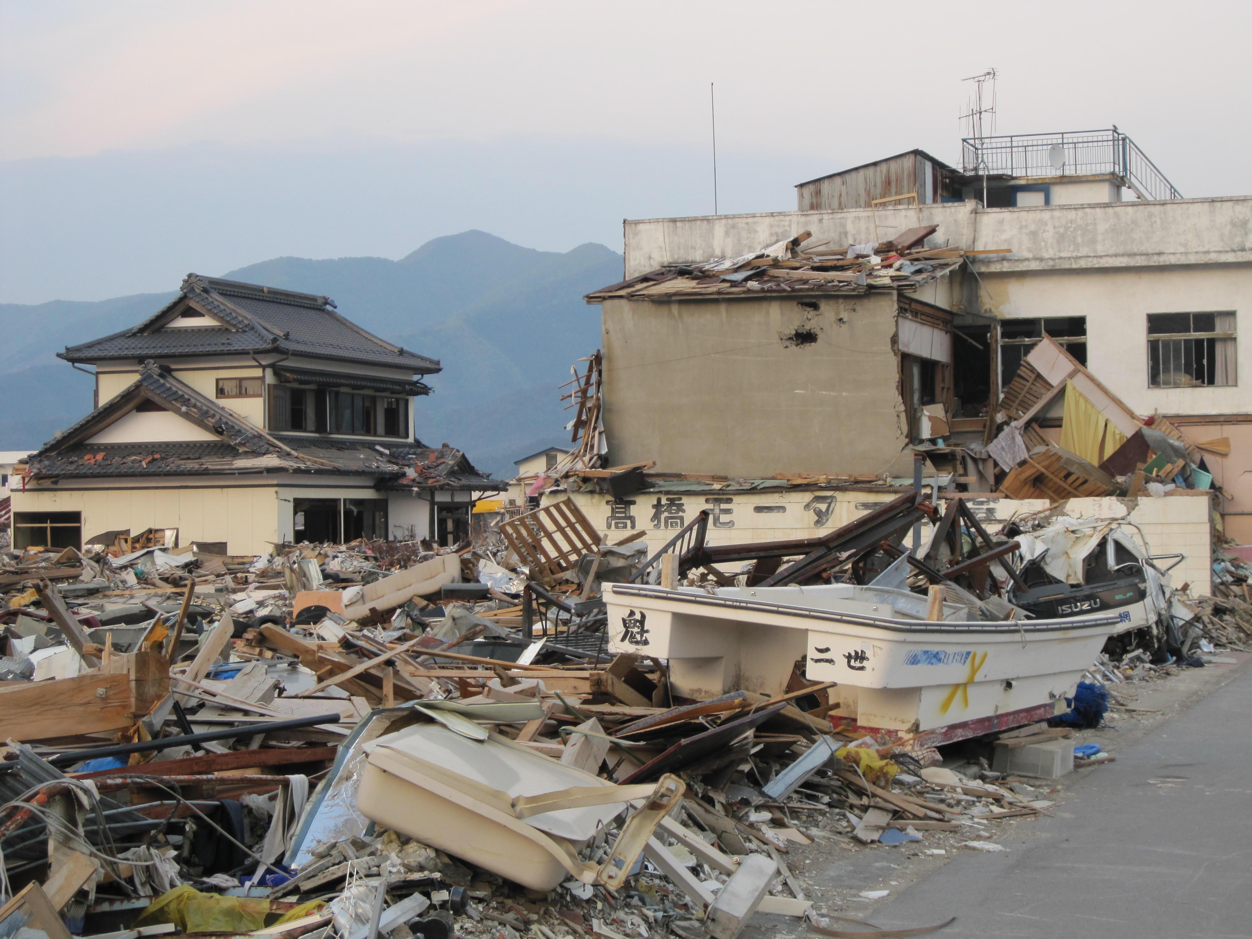 محكمة يابانية : 13 مليون دولار تعويضات لأهالى ضحايا تسونامى توهوكو