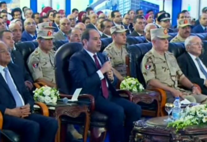 الرئيس السيسي يكلف الجيش والشرطة بتأمين طريق شرم الشيخ الجديد