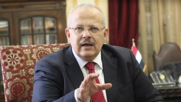 رئيس جامعة القاهرة يحيل موظف قصر العيني صاحب واقعة الزيت للتحقيق