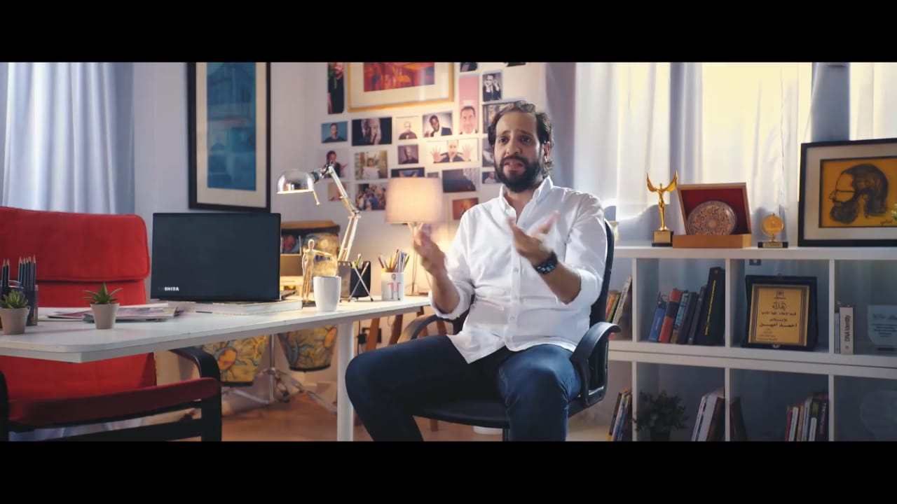"""فيديو: أحمد أمين يعلن عن مفاجأة لمشاهدي """"الفاميليا"""""""
