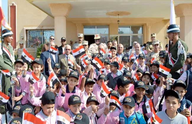 القوات المسلحة تنظم زيارات لطلبة المدارس إلى قطاع تأمين شمال سيناء