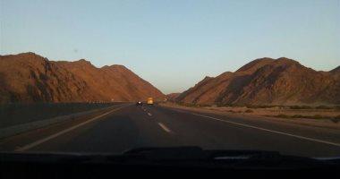 الإدارة العامة للمرور تعيد فتح طريق «مرسى علم – الشلاتين»