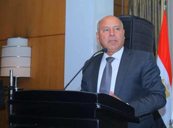 وزير النقل: ميناء دمياط سيتحمل 25% من إجمالي التجارة في مصر