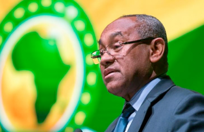 رئيس الكاف يقترح تعيين طاقم التحكيم النسائي لإدارة نهائي البطولة الإفريقية