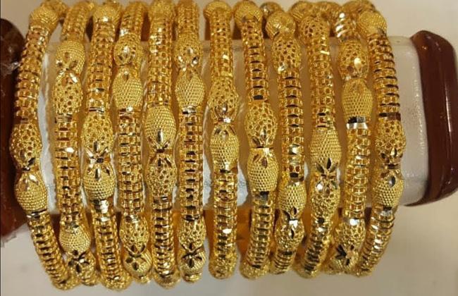 تراجع أسعار الذهب في السوق المحلية والعالمية