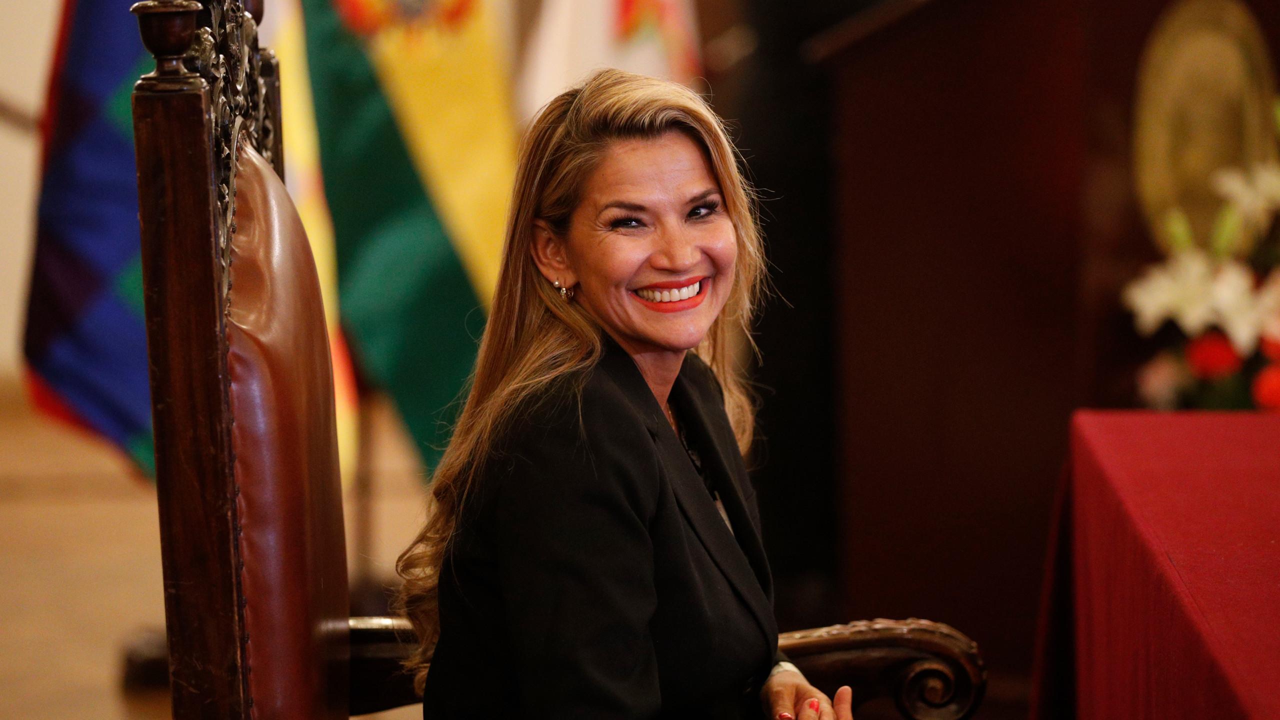 رئيسة بوليفيا المؤقتة تلتقى المبعوث الأممى لبحث الأزمة السياسية بالبلاد