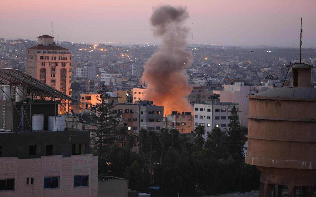 طائرات الاحتلال الإسرائيلى تقصف قطاع غزة مجددا