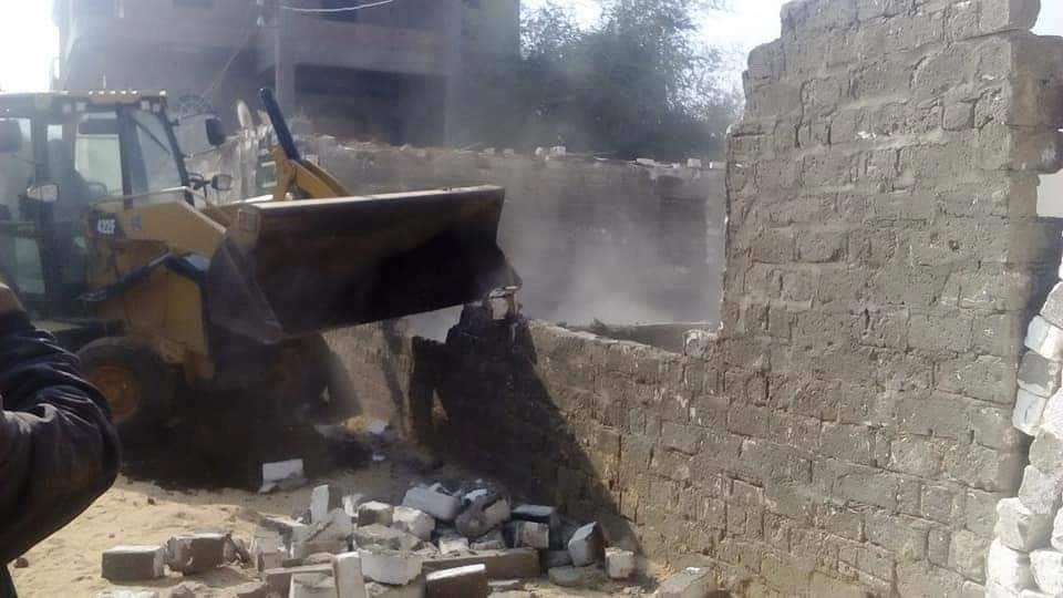 محافظ سوهاج : إزالات فورية لـ 13 حالة تعدي وبناء مخالف خلال 4 أيام